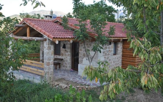 ÇAMELİ / ELMALI Vineyard Houses